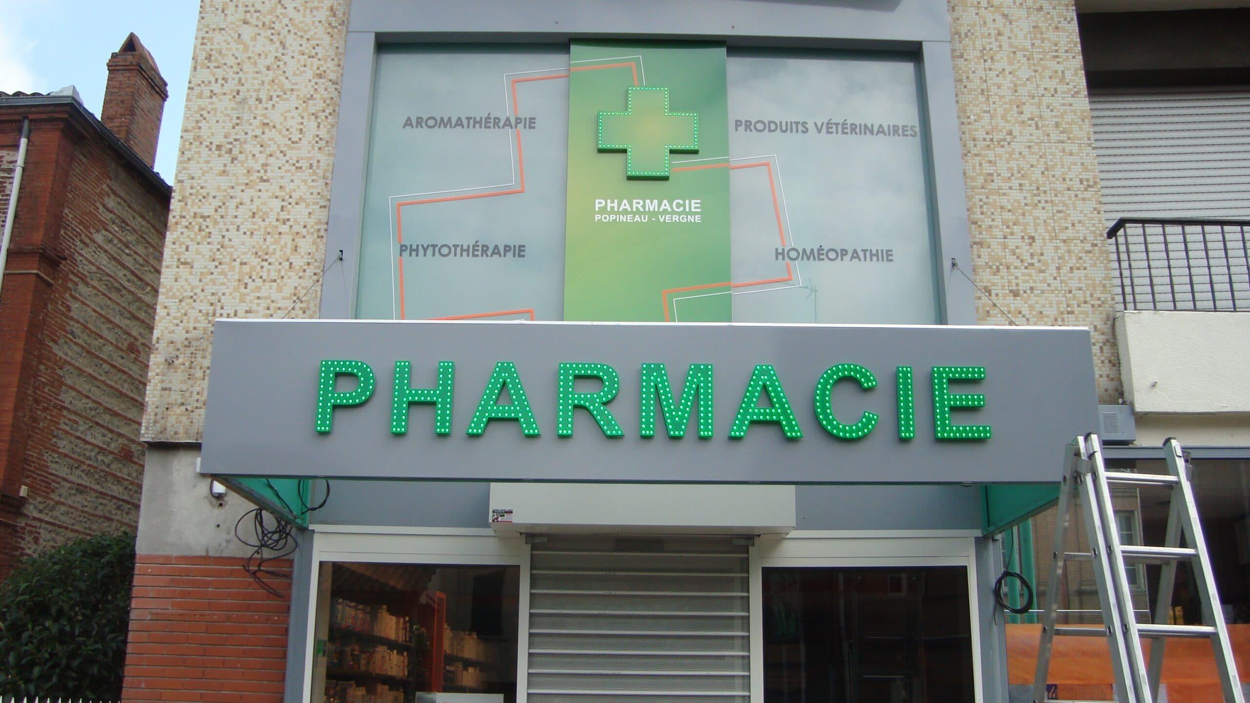 enseigne pharmacie prix enseigne pharmacie led enseigne pharmacie serpent enseigne pharmacie occasion croix pharmacie led prix croix de pharmacie led enseigne lumineuse pharmacie croix pharmacie pas cher Enseigniste Toulouse Lettres points led, adhésif vitrine pharmacie