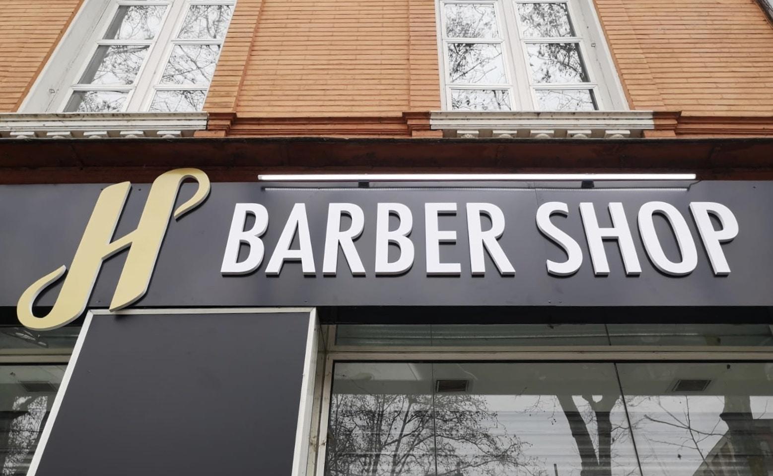 Enseigne lumineuse Toulouse lettres découpées Barber Shop et enseigne led réglette