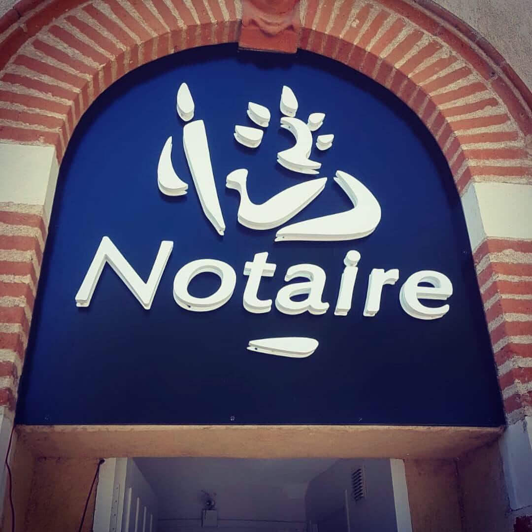 Enseigne notaire Toulouse enseigne lumineuse à Toulouse fabricant enseigne led et signalétique