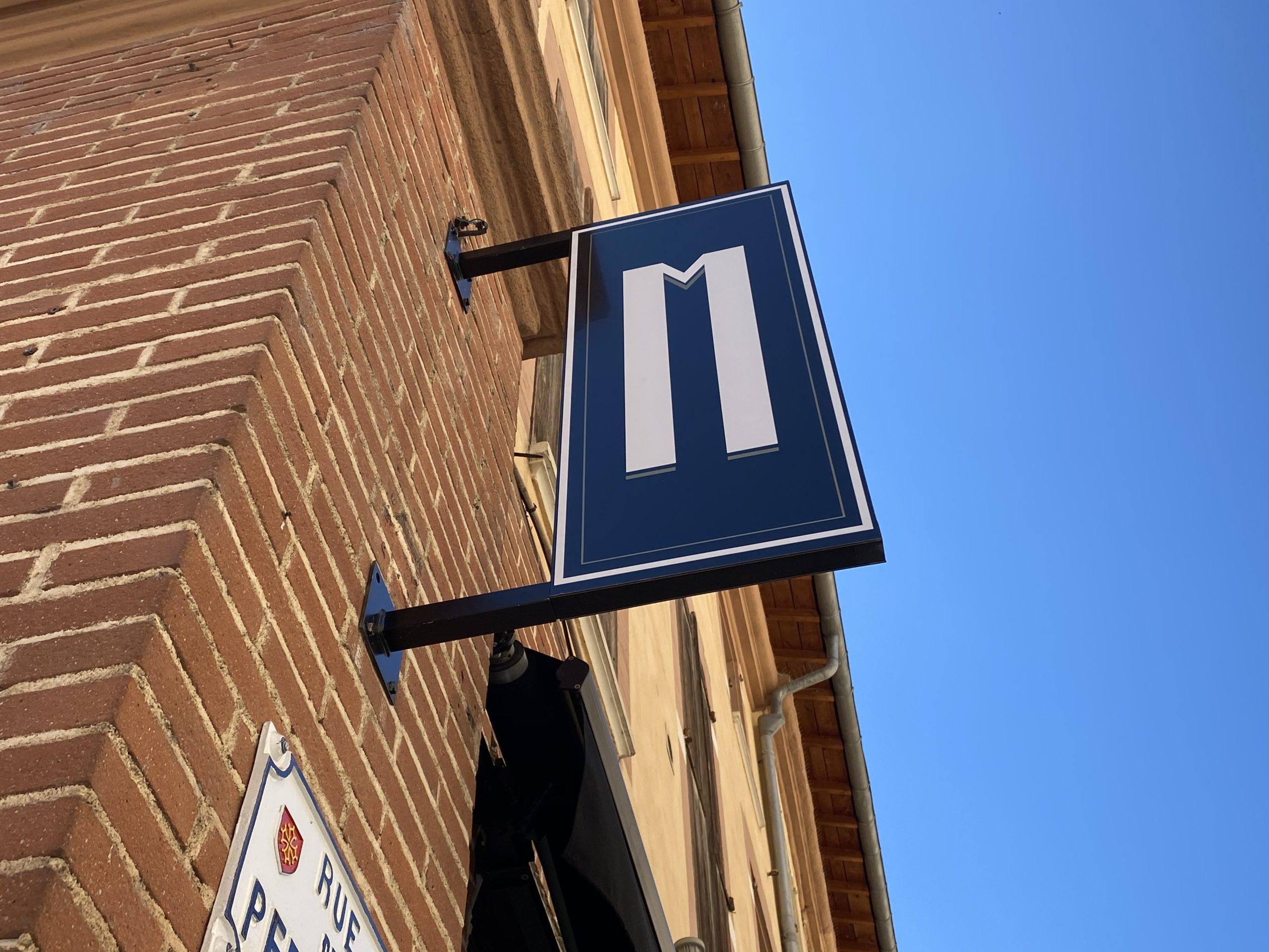 Enseigne Toulouse perpendiculaire restaurant