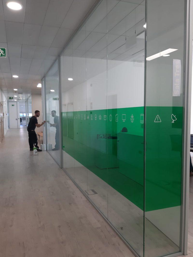 Marquage vitrine et signalétique Toulouse