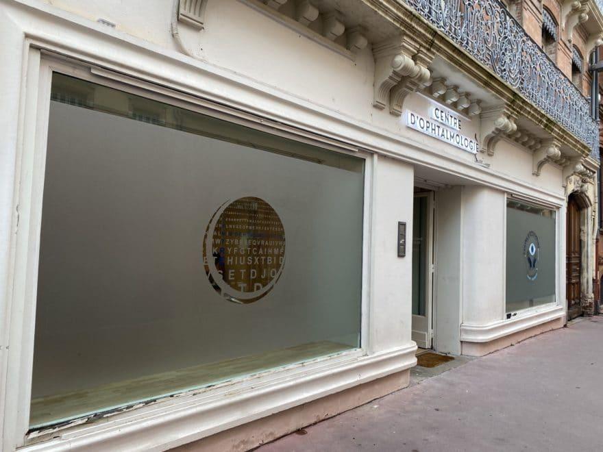 Signalétique Toulouse marquage vitrine