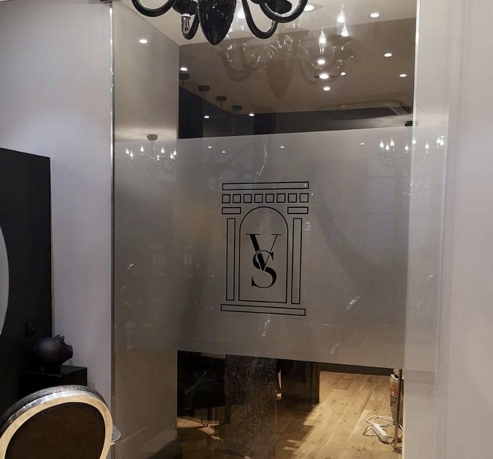 Marquage vitrine signalétique Toulouse