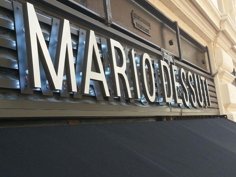 enseigne lumineuse led rétro-éclairée led à Toulouse pour magasin de vetements Mario Dessuti