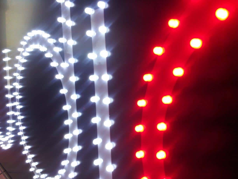 Enseigne lumineuse Signalétique extérieur Toulouse enseigne points led enseigne lumineuse enseignanteToulouse