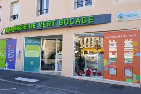 Enseigniste Toulouse , enseigne lumineuse led lettres boitiers signalétique extérieur pharmacie enseigne pharmacie