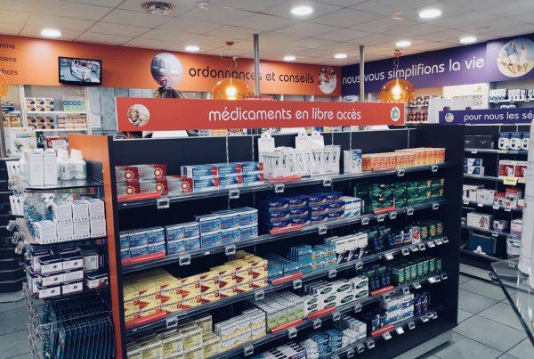 Enseigne et signalétique pour la pharmacie Pessac à Bordeaux
