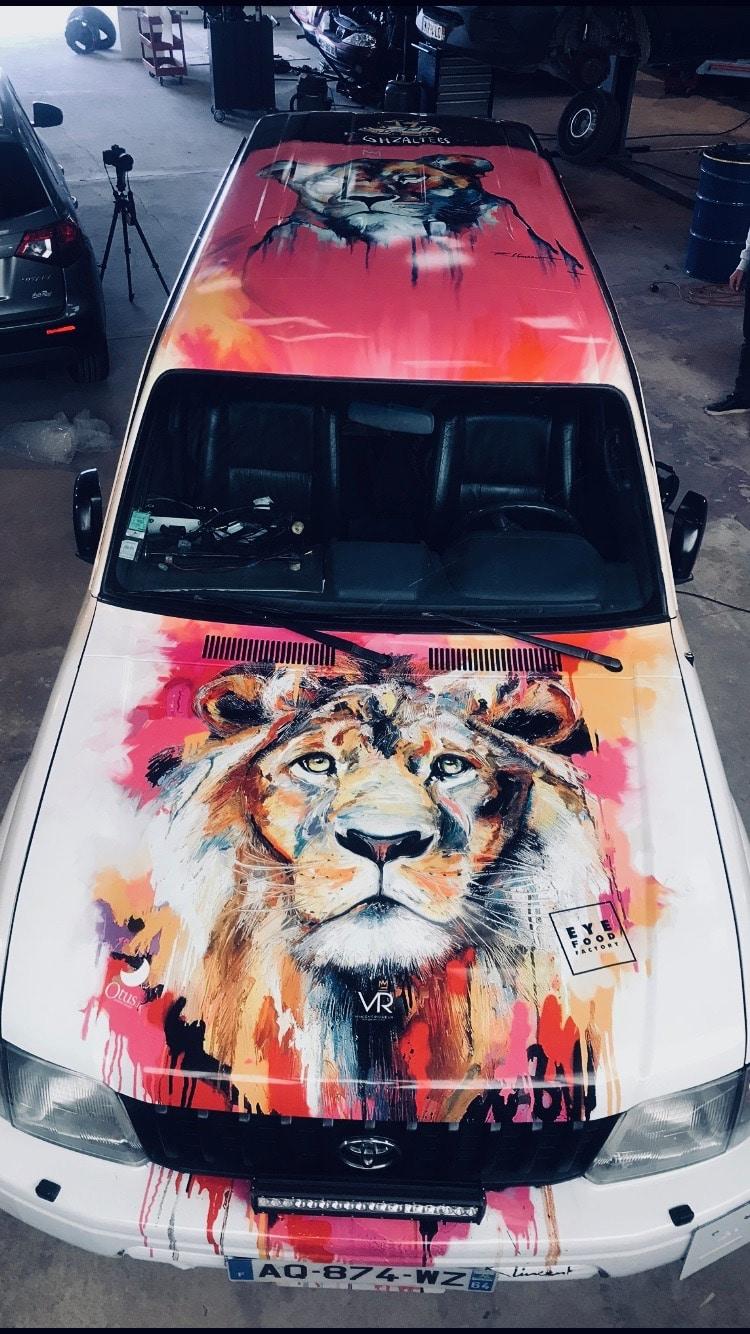 Marquage véhicule total covering pour le rallye des gazelles Flocage Toulouse