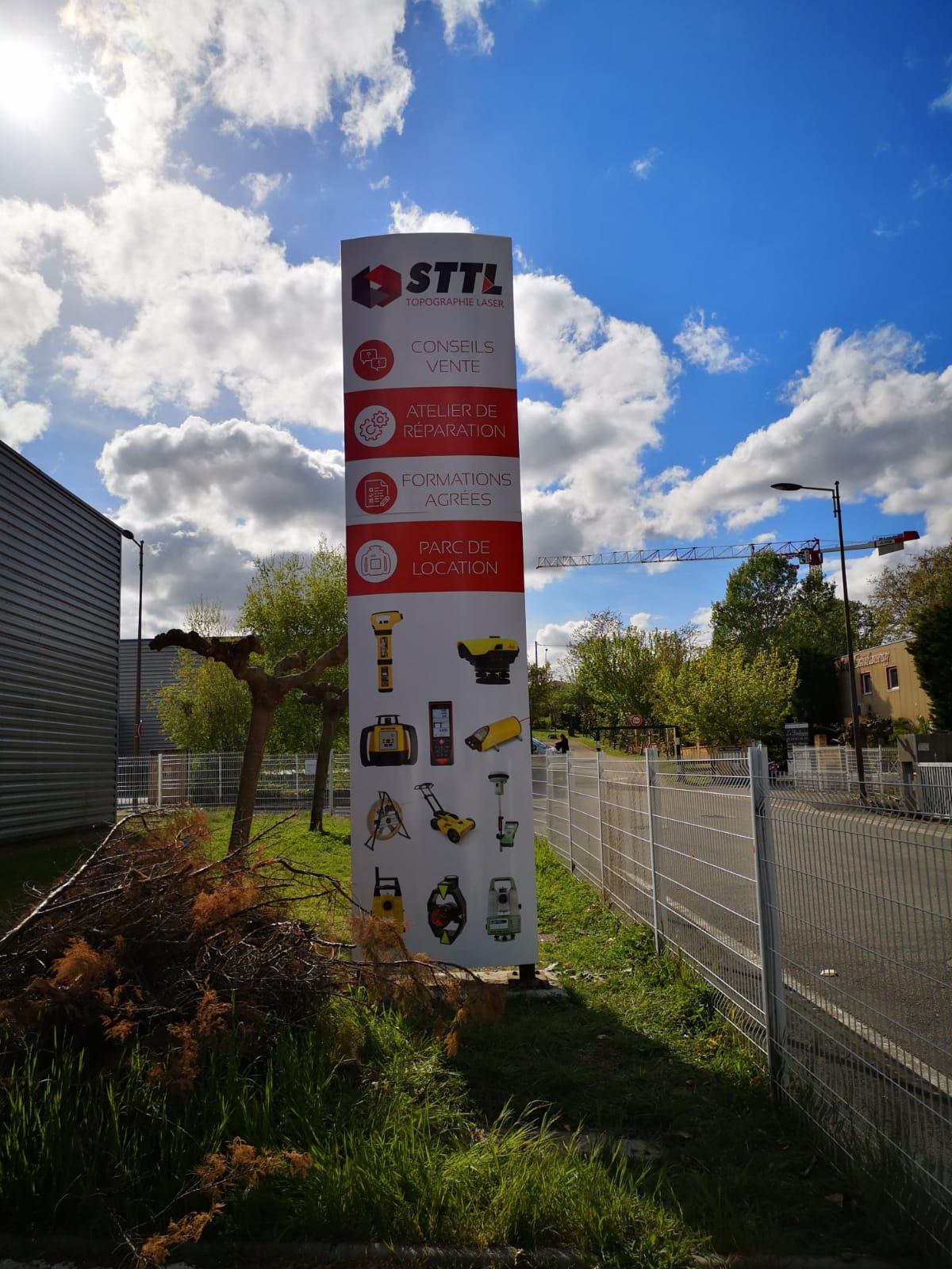 Fabricant d'enseigne lumineuse et signalétique à Toulouse pour STTL Saint Simon