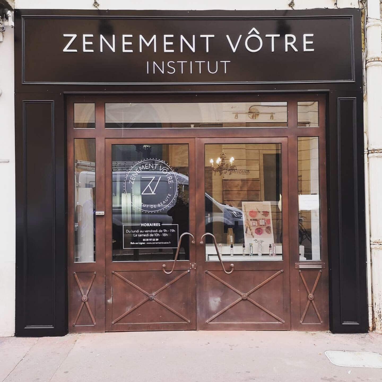 Enseigne et signalétique institut de beauté Toulouse + moulure et habillage façade